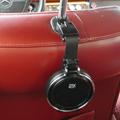 15年目にして初めて後部座席用のドリンクホルダーを設置する。 懐かしの、あの「ZAX」です。 今時の車では考えられませんが、93年当時の輸入車には ...