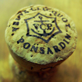 頂き物のシャンパーニュ、ラベルの文字を調べるにもまたまたフランス語「Veuve Clicquot Ponsardin」発音は残念ながら想像もつきませ...