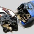 3ステージ電動ファン制御システム発展型FMCS 今回は前回より一段とひどい状態で、リレー台座の白い部分がソケット側にメルトダウン状態となっていました...